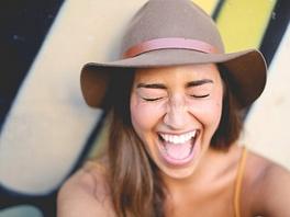 2t2kqt3fmhb-happy-woman.jpg
